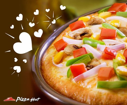 Know 5 Reasons of Why We Should Order Pizza Online ?